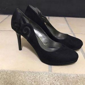 Black bandolino pumps